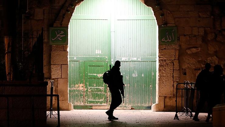 انتهاكات مستمرة.. الاحتلال يقتحم مصلى باب الرحمة - راديو الشباب - فلسطين